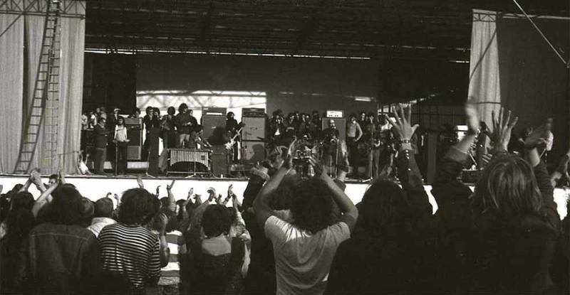 Bath-70-Colosseum-crowd